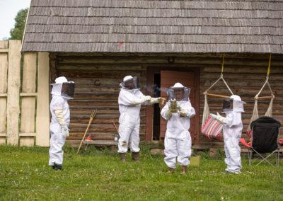 Ettevalmistused mesilasse minekuks
